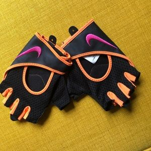 5/25 SALE💥Nike Workout Gloves S